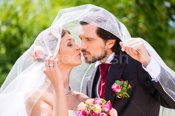 Paar Küssen Schleier Hochzeit Liebe Stock foto © Kzenon