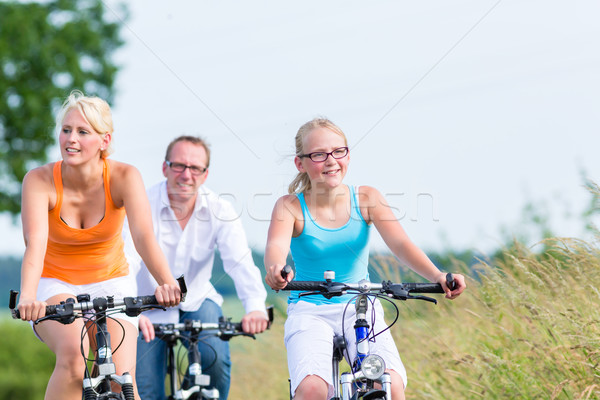 Stock fotó: Család · hétvége · bicikli · turné · kint · szülők