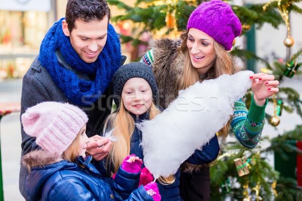 Photo stock: Famille · manger · coton · bonbons · Noël · marché