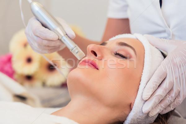 Közelkép arc nő megnyugtató modern szépségközpont Stock fotó © Kzenon