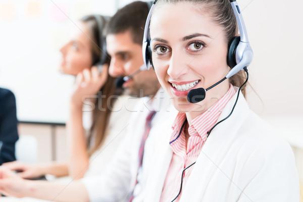 Frau Männer arbeiten Call Center Helpdesk Service Stock foto © Kzenon