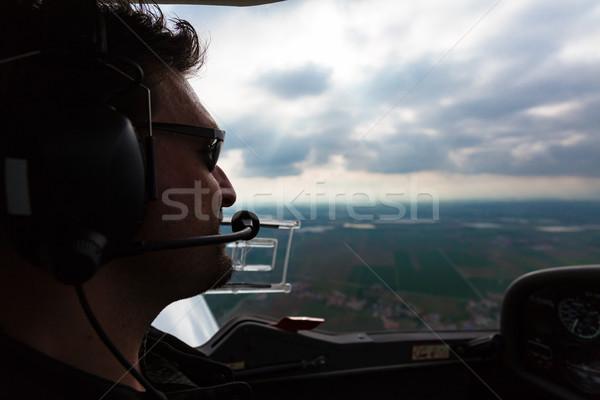 Esportes piloto voador avião confiança aeroporto Foto stock © Kzenon