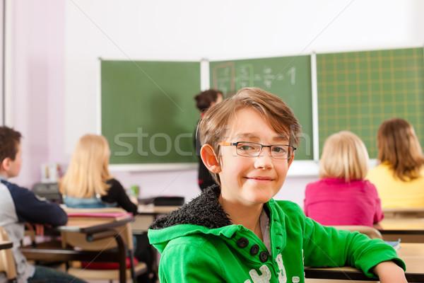 Educación maestro escuela ensenanza jóvenes femenino Foto stock © Kzenon