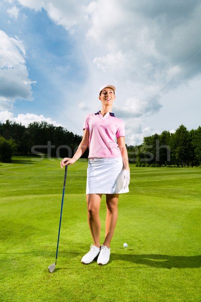Jovem feminino jogador de golfe mulher céu esportes Foto stock © Kzenon