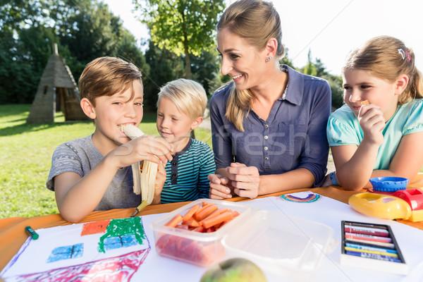ママ 絵画 写真 子供 昼休み 家族 ストックフォト © Kzenon