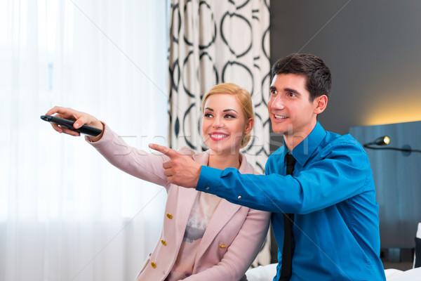 пару контроль номер в отеле счастливым женщину Сток-фото © Kzenon