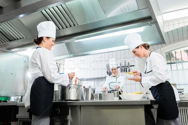 Mutfak personel kantin bulaşık catering kadın Stok fotoğraf © Kzenon