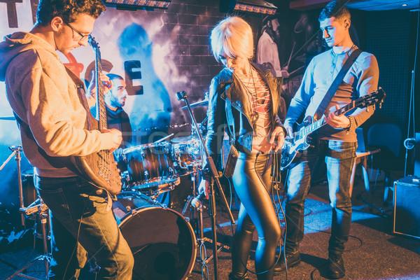 Rockbanda színpad sikeres koncert zenészek zene Stock fotó © Kzenon