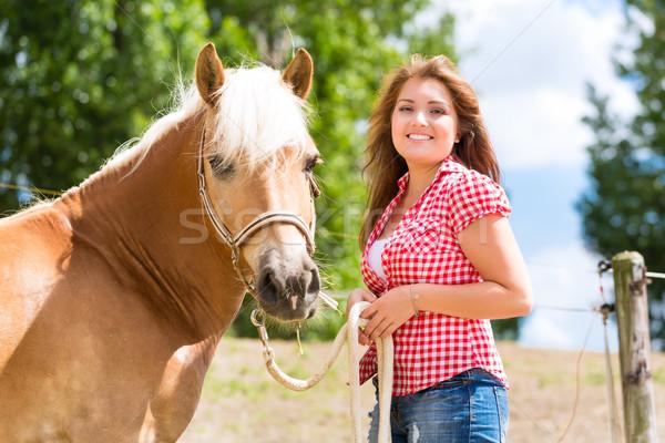 женщину лошади пони фермы счастливым молодые Сток-фото © Kzenon