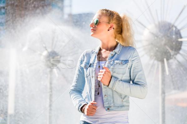 女性 噴水 ドレスデン 通り ストックフォト © Kzenon