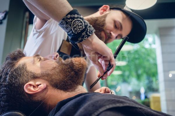 бородатый молодым человеком готовый парикмахерская квалифицированный парикмахера Сток-фото © Kzenon
