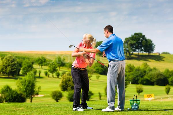 Jovem feminino jogador de golfe condução alcance golfe Foto stock © Kzenon