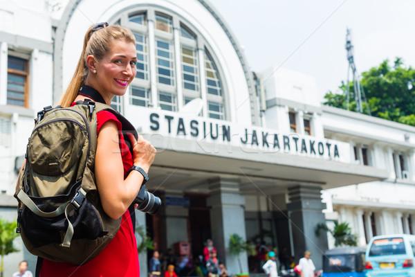 Turystycznych zwiedzanie Indonezja kobieta Jakarta Zdjęcia stock © Kzenon