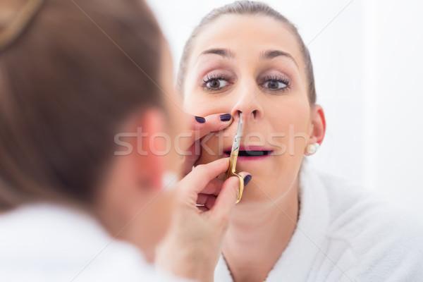 Vrouw haren jonge vrouw badkamer gezicht Stockfoto © Kzenon