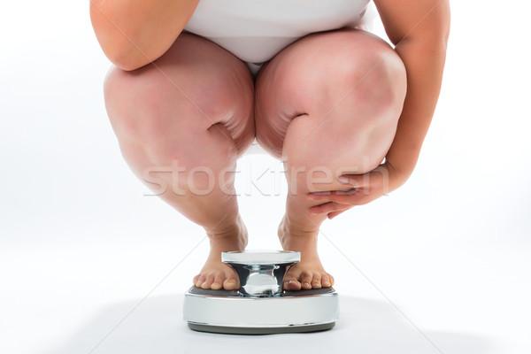 Zwaarlijvig jonge vrouw hurken schaal dieet gewicht Stockfoto © Kzenon