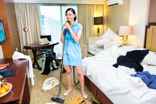 очистки азиатских номер в отеле женщину отель рабочих Сток-фото © Kzenon