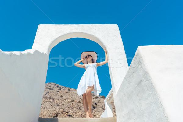 Mulher escalada escada Grécia blue sky porta Foto stock © Kzenon