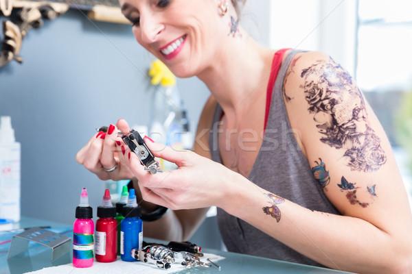 Eller kadın sanatçı profesyonel dövme Stok fotoğraf © Kzenon