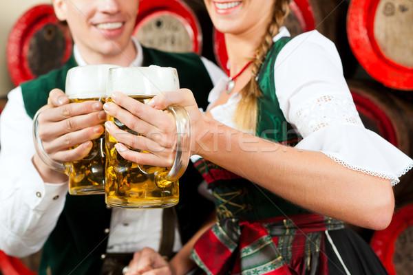 Pareja potable cerveza cervecería hombre Foto stock © Kzenon