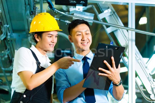 Trabalhador produção gerente clipboard proprietário ceo Foto stock © Kzenon