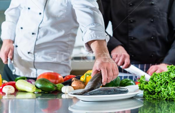 Stok fotoğraf: şefler · takım · çalışması · restoran · mutfak