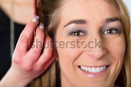 Frau Haarschnitt Laden Friseur Haar Stylistin Stock foto © Kzenon