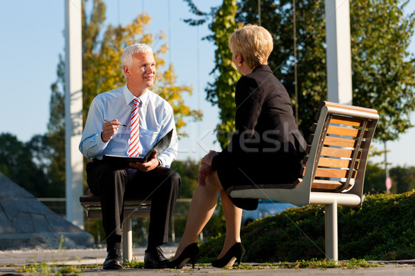 ビジネス コーチング 屋外 男 女性 議論 ストックフォト © Kzenon