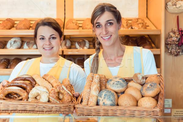 Dwa piekarni koszyka chleba Zdjęcia stock © Kzenon