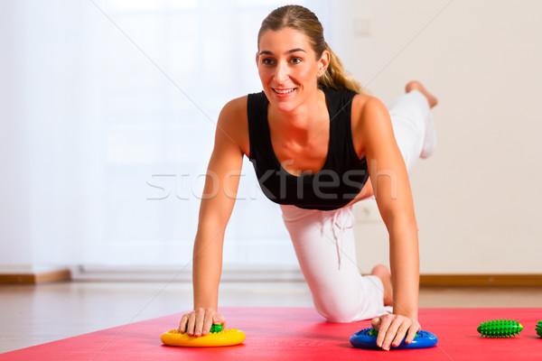 пациент физиотерапия женщину медицинской фитнес Сток-фото © Kzenon