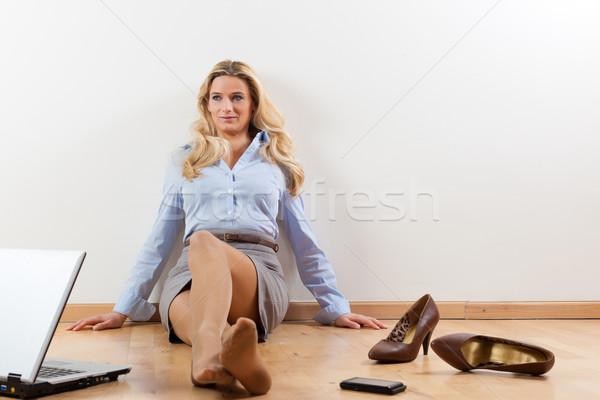 Geschäftsfrau home business woman arbeiten Laptop Stock Stock foto © Kzenon