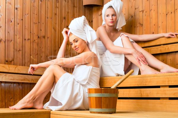 Iki kadın sağlıklı yaşam spa sauna demleme Stok fotoğraf © Kzenon