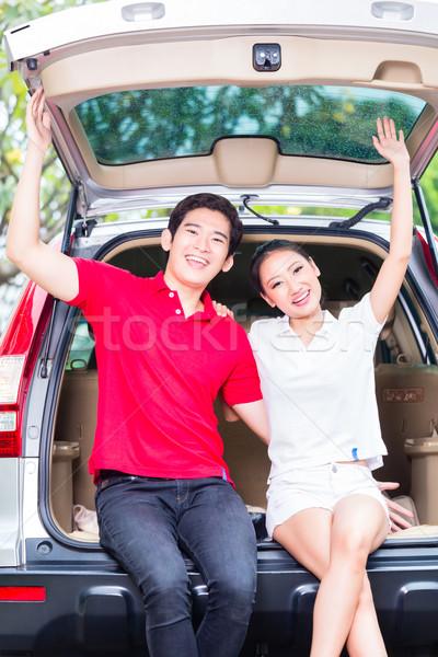 アジア カップル 新しい車 興奮した 買い ストックフォト © Kzenon
