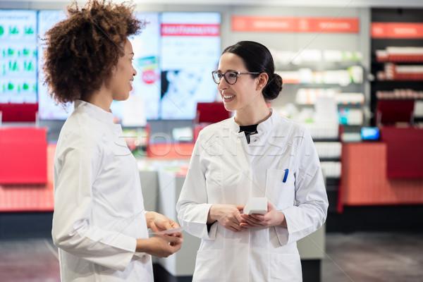 два дружественный коллеги говорить женщины Сток-фото © Kzenon
