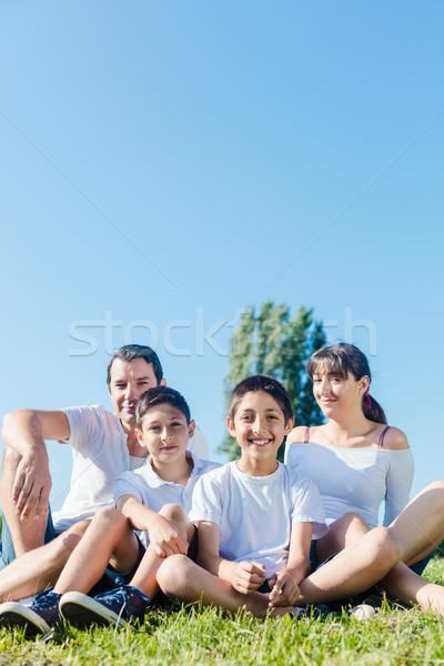 Család fehér park nyár ül legelő Stock fotó © Kzenon