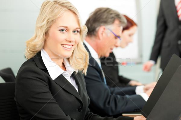 деловые люди презентация команда коллега Постоянный флипчарт Сток-фото © Kzenon