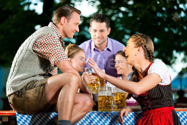 Foto stock: Cerveza · jardín · amigos · potable · frescos