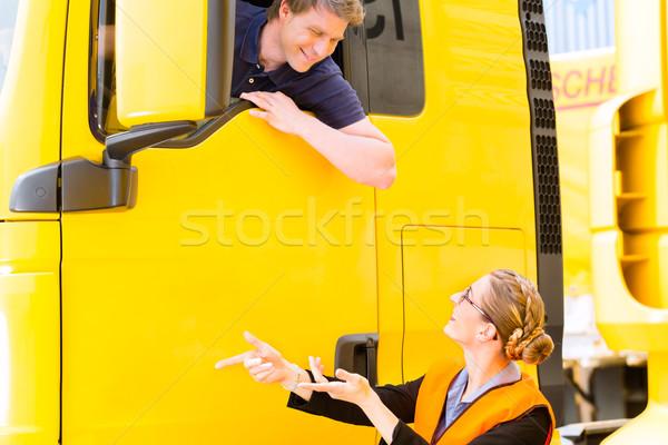 Teherautó sofőr sapka logisztika büszke férfi Stock fotó © Kzenon