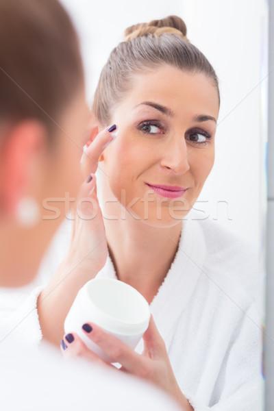 Vrouw make slapen oog masker badjas Stockfoto © Kzenon