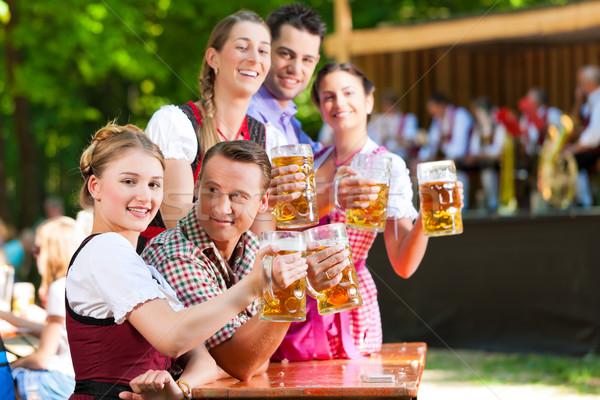 Bier Garten Freunde Band Deutschland Lederhosen Stock foto © Kzenon