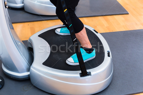 Mulher placas ginásio treinamento fitness exercer Foto stock © Kzenon