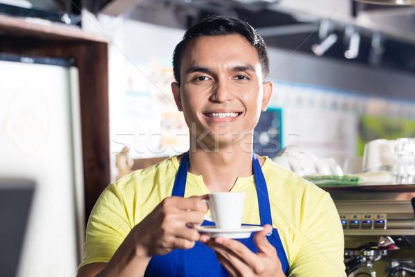 Barista indian cafe beker mannelijke Stockfoto © Kzenon