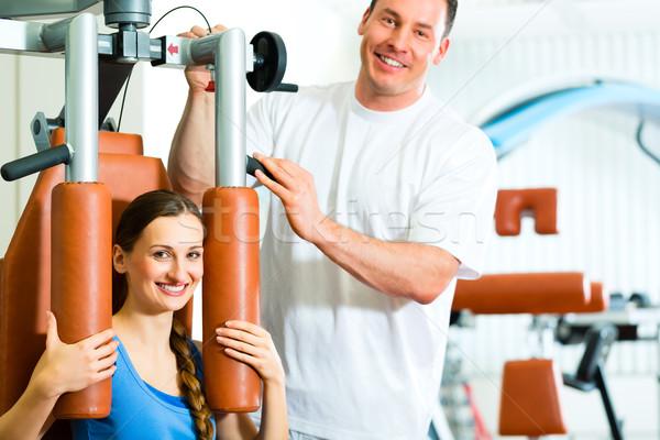 Patiënt fysiotherapie fysiotherapie vrouw man Stockfoto © Kzenon