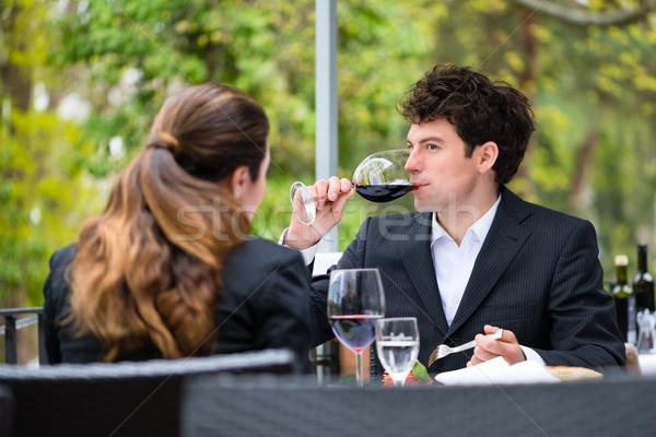 üzletemberek ebéd étterem üzlet kívül terasz Stock fotó © Kzenon