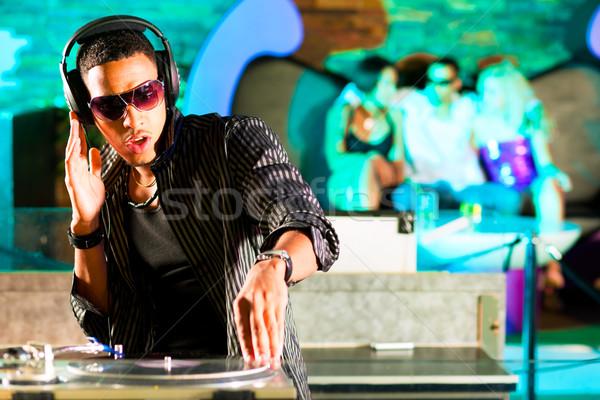 Diszkó klub tömeg fekete lemezjátszó buli Stock fotó © Kzenon
