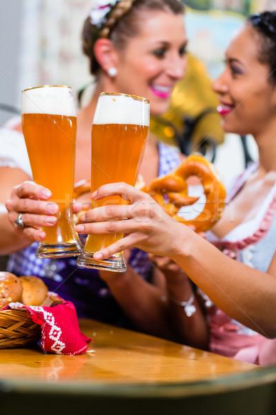 Galleta salada cerveza posada comer potable Foto stock © Kzenon