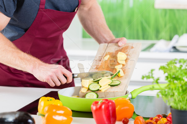 человека приготовления кухне продовольствие зеленый Сток-фото © Kzenon