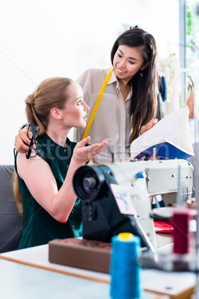 Moda projektant dyskusja wzór kobieta kobiet Zdjęcia stock © Kzenon