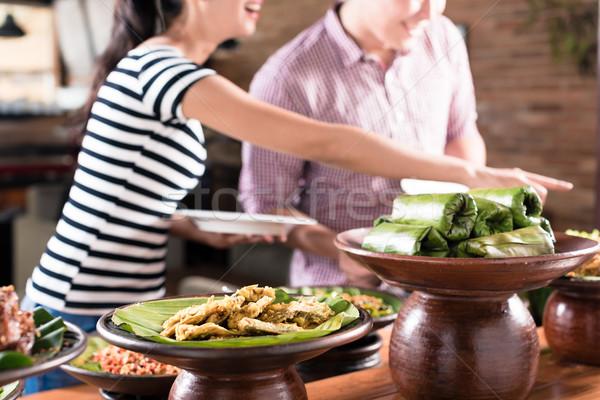 Ludzi żywności indonezyjski bufet restauracji Zdjęcia stock © Kzenon