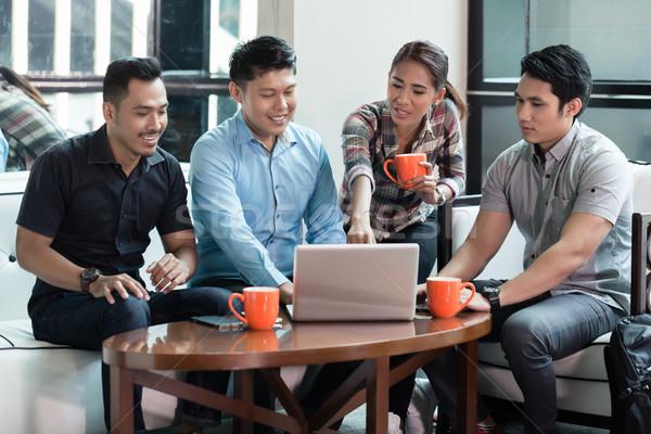 Team vier toegewijd innovatieve Stockfoto © Kzenon