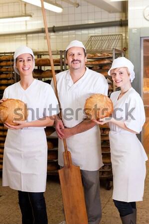 Bakker team bakkerij permanente vers gebakken Stockfoto © Kzenon